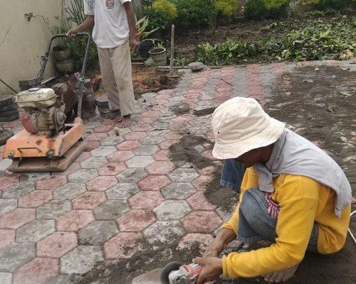 JASA PEMASANGAN PAVING / CON BLOCK TERMURAH DI YOGYAKARTA